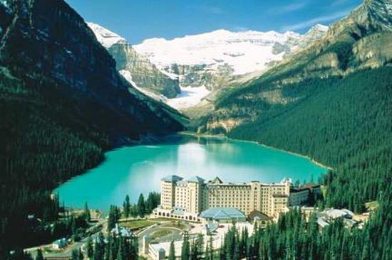 fairmont-chateau-lake.jpg